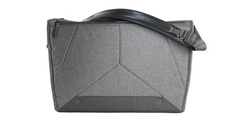 Peak Design 15 Everyday Messenger Bag Back