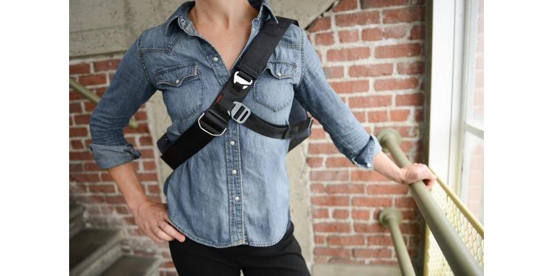 Peak Design 15 Everyday Messenger Bag Secure